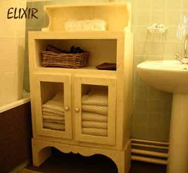 Elixir meuble de rangement pour la salle de bain en for Creation meuble carton